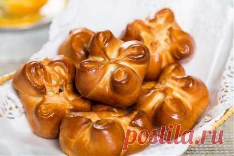 Маленькие пирожки для фуршета: популярная закуска на празднике   Фуршет – праздничный стол с многочисленными холодными закусками. Обслуживают гости себя самостоятельно, выбирая среди многочисленных блюд понравившиеся. Самыми популярными на таких мероприятиях всег…