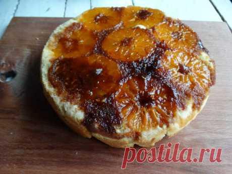Пирог из мандаринов – подсмотрела рецепт у подруги, приготовила и сразу влюбилась. Вкус и вид просто нечто - Ваши любимые рецепты - медиаплатформа МирТесен Увидела, как подруга готовит мандариновый пирог, и решила дома повторить рецепт. Ох! Какой же вкуснющий, а какой яркий получился десерт! Я влюбилась в него с первого кусочка! Получилось просто бомбезно! Все в нем на контрасте: воздушное тесто, с. Пару слов о начинке. Мандарины я разрезала, как и