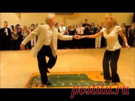 As they fine dance under Victor Korolyov's song