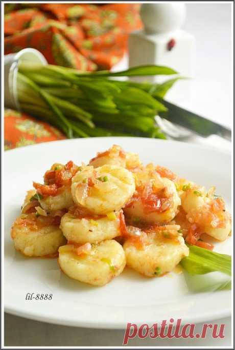 Картофельные постные клецки с овощами и черемшой. рецепт с фотографиями
