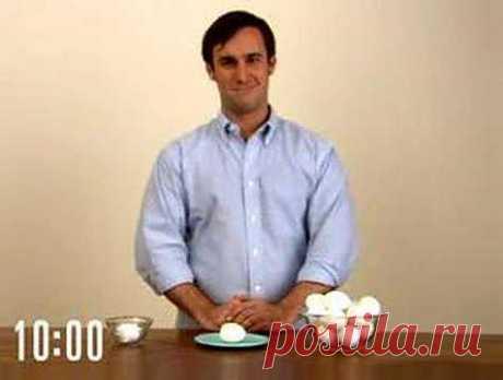 Секреты кулинаров: как правильно варить и чистить яйца