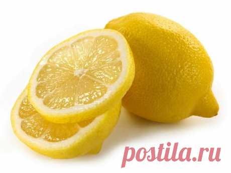 Рецепты из лимона для сердца и сосудов    1. 100 грамм очищенного чеснока перемолоть и залить соком из 6 лимонов. Все перемешать и положить в банку, закрыть марлей.Хранить в прохладном месте.Принимать по 1 ч. ложке, запивая теплой водой (ж…