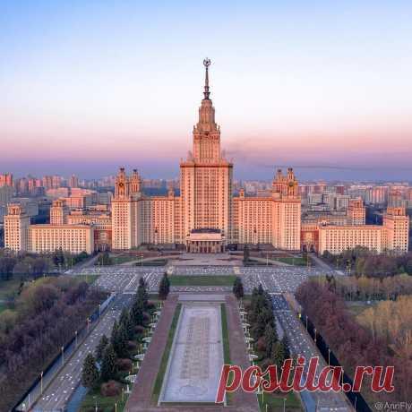 Символы Москвы — семь сталинских высоток. У вас есть любимая?  Фото: anrifly
