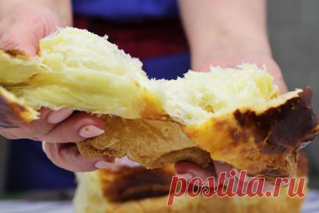 Если перед замесом теста заварить муку, получится хлеб воздушный и мягкий, как облачко   Как Вкусно! С Ириной Юхновец   Яндекс Дзен