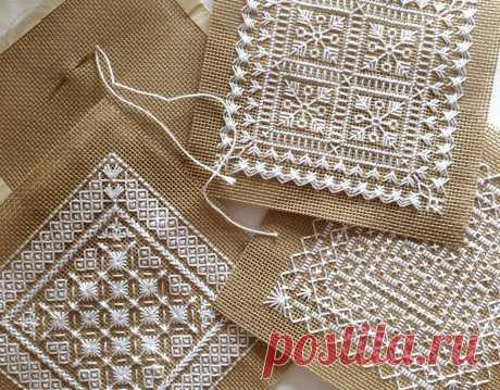 Маленькие схемы вышивки монохром - 4 мотива