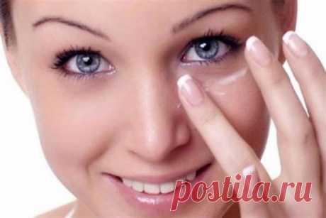 Eficaz razglazhivanie de los pliegues alrededor de los ojos