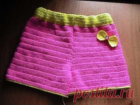 Детские вязаные шорты крючком.crochet
