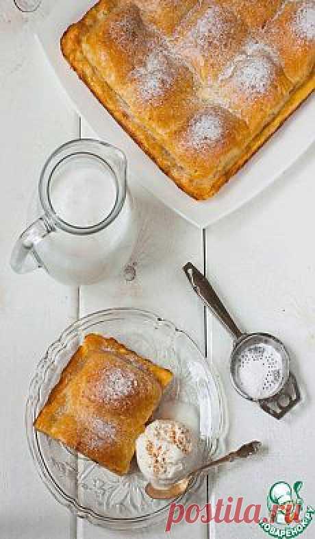 Сочный пирог с яблоками.