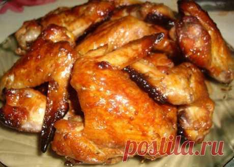 Хрустящие куриные крылышки в меде
