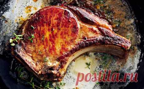 Свинина становится мягче за 2 часа: маринование в воде с солью и сахаром - Steak Lovers - медиаплатформа МирТесен Свинина часто получается либо сухой при жарке, либо ее надо долго мариновать в результате чего во вкусе остается лишь маринад, а самого мяса уже не чувствуется. Но вместо сложного маринада можно использовать подсоленную воду. С ней для размягчения текстуры мяса нам потребуется всего 2 часа времени,
