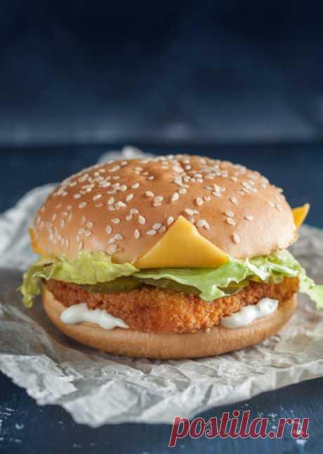 СМОТРИТЕ: ЗОЖ-бургер: просто замените булочку на салат