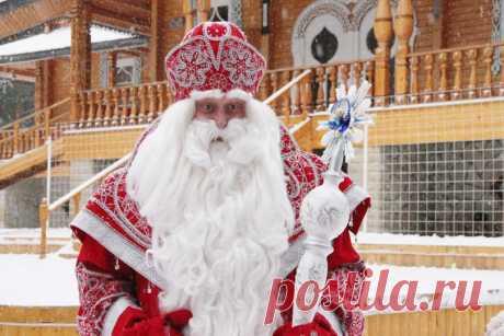 История изменений Деда Мороза  Он менял цвет шуб, характер и имена.Замораживал до смерти и щедро одаривал.Пока не стал привычным Дедом Морозом — исполнителем сокровенных желаний.  ЖИЗНЬ ПЕРВАЯ Великий и ужасный  Какую-то пару веко…