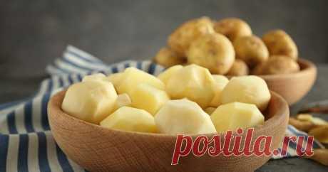 Блюда из картошки: 20 простых рецептов на каждый день Картофель, как и хлеб, – всему голова. Пожалуй, ни одно застолье не обходится без блюд из этого корнеплода, да и в обычные дни картошка – один из главных ингредиентов в меню. Что можно приготовить из картофеля, кроме пюре, читайте в нашей статье.
