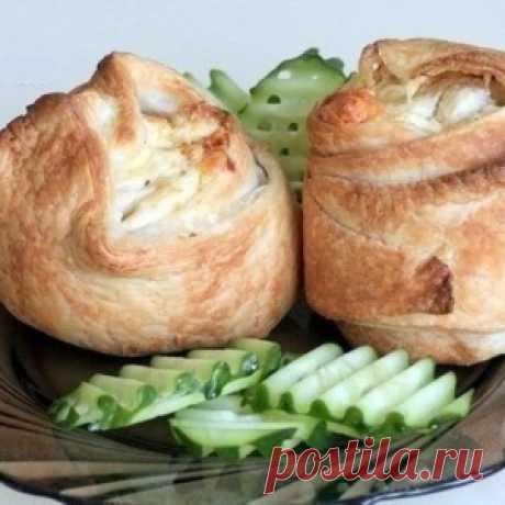 Пирожки слоёные с курицей и сыром — прекрасное угощение на выходные - МирТесен
