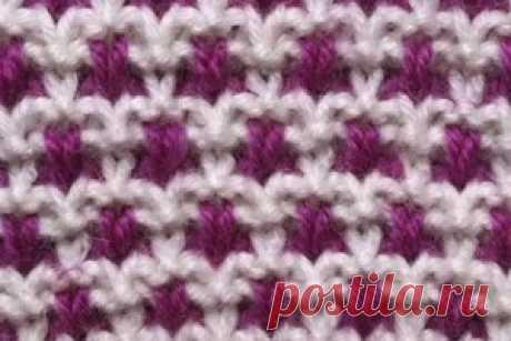 """Двухцветный узор спицами схемы. Видео-мастер-класс Двухцветные узоры спицами - отличное решение для тех, кто решил разнообразить своё вязание за счёт цвета и интересной фактуры.Двухцветный узор спицами, схема которого не так сложна и легко запоминается при работе, для вас подготовил канал """"My knit work"""".Двухцветное вязание спицами, узор которого вы научитесь вязать после просмотра видео мастер-класса, подходит для свитеров, жакетов, шапок и других изделий. Только нужно пом..."""