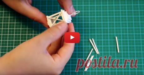 Видео мастер-класс: как сделать миниатюрный фонарик В этом видео я поделюсь процессом изготовления миниатюрного фонарика из спичек и картона. Такой фонарик может стать аксессуаром для кукол, а также елочной игрушкой. Всем творческих успехов и вдохновения!