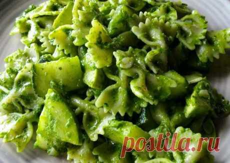 (9) Фарфалле с кабачками и зеленым соусом - пошаговый рецепт с фото. Автор рецепта Александра . - Cookpad