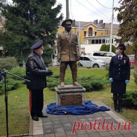 Памятник кубанским участковым. #Краснодар