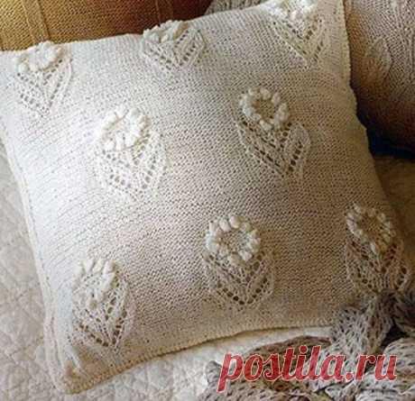 Цветочный узор для вязания спицами подушки. Схема