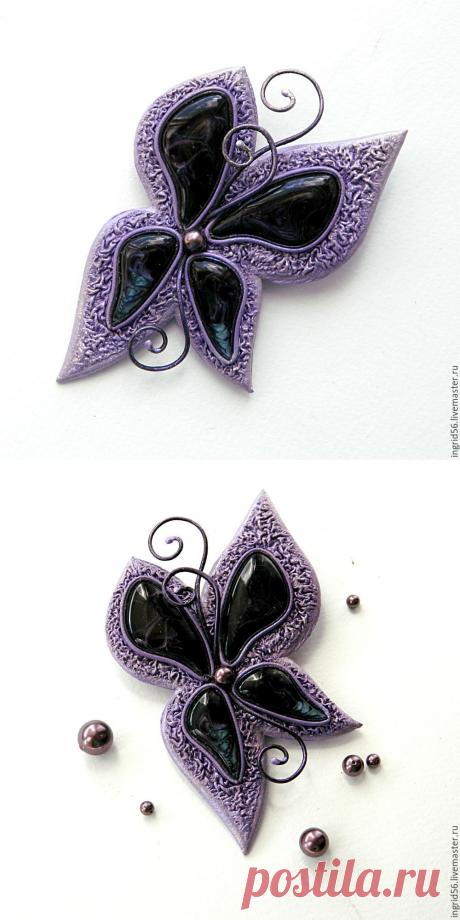 Купить Брошь кулон из натуральной кожи Бабочка с авторскими кабошонами - кожаный кулон, украшение на шею
