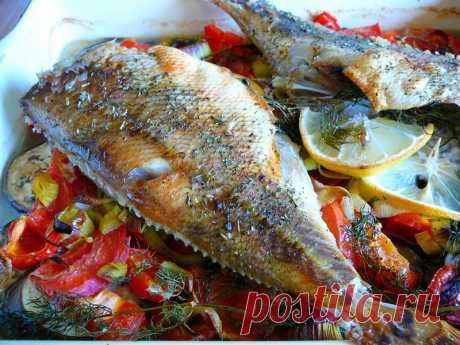 Вкусный ПП ужин - запекаем рыбку на овощах (рецепт)