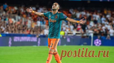 Игрок Аякса Хаким Зийех забил роскошный гол в ворота испанской Валенсии, 2019