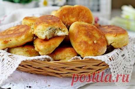 Быстрые пирожки с творогом и зеленым луком — Sloosh – кулинарные рецепты