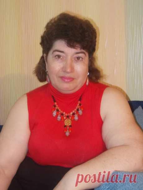Лариса Семиколенова