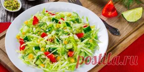 10 интересных салатов из свежей капусты - Лайфхакер