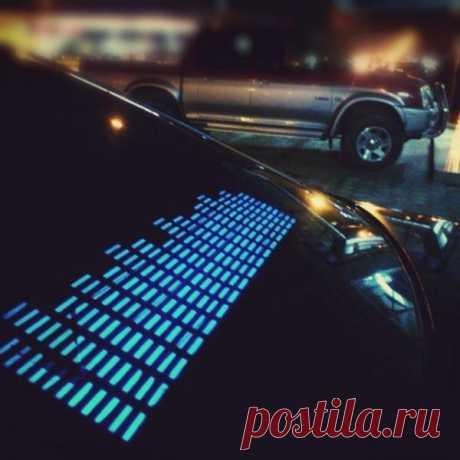 Наклейка-эквалайзер для машины, светодиоды, активируется музыкой - $45