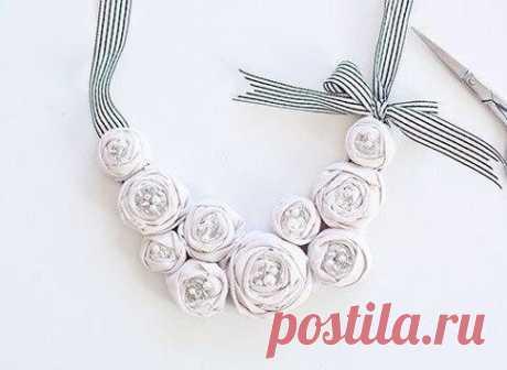 Ожерелье из роз своими руками)