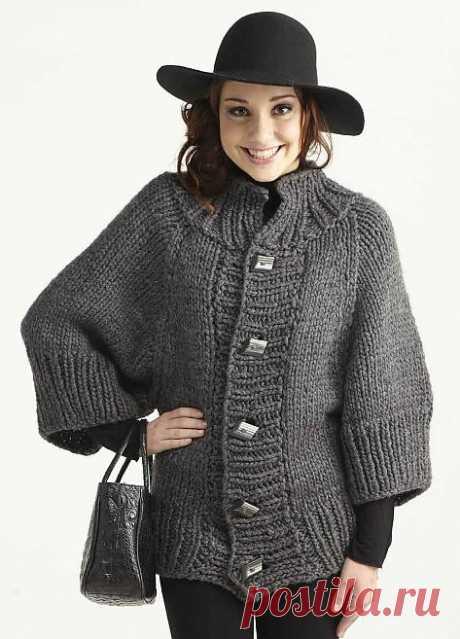 Тепло и уютно! Вязаное короткое пальто для осеннего вечера..