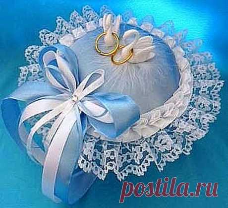 Примеры подушечек для свадебных колец (идеи)