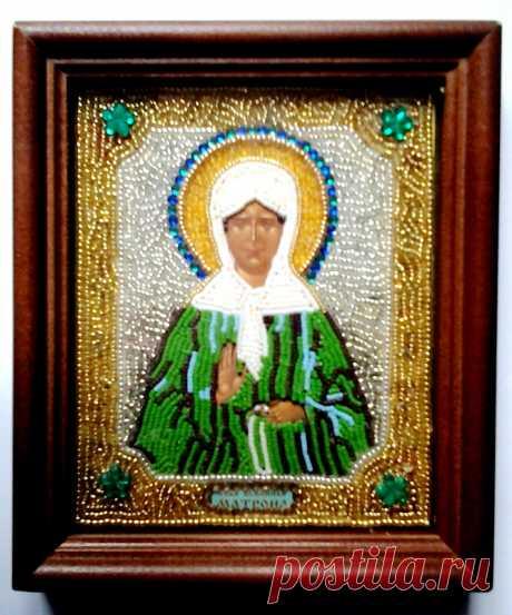 Икона Матронушки, инкрустированная бисером и стразами.
