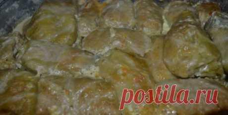 Голубці з картоплею та грибною підливою – це така смакотища, я вам скажу, що можна з ними й пальці з'їсти! А готувати не так вже й складно і точно воно того вартує! | Лента.news