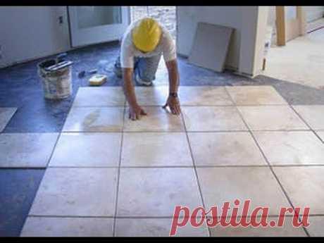 Как класть плитку на пол правильно. Решив использовать керамическую плитку на кухонном полу или же на полу в ванной или туалете, вы сделаете правильный выбор, так как это действительно долговечный и надежный вариант.