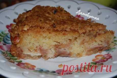 Обалденный яблочный пирог «Домашний» Пирог получается очень вкусный! Прям обалденный! Попробуйте обязательно. Все знакомые у меня просят рецептик. Делюсь и с вами. Продолжение на сайте: https://every-holiday.ru/1714/Amerikanskij_yablochnyj_pirog/