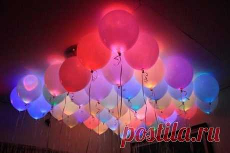 """Idea for a holiday. The shining spheres.\u000a\u000aIt is required to you:\u000a- balloons;\u000a- 5-10 pieces of light-emitting diodes;\u000a- 5-10 pieces 3 in batteries;\u000a- adhesive tape.\u000a\u000aFor assembly of the shining element place light-emitting diode \""""legs\"""" on both sides from the battery. It has to be lit at once. If it did not occur, then turn the battery (change polarity). Fix by means of an adhesive tape a light-emitting diode on the battery. Do most with all remained light-emitting diodes too. At you 5-10 pieces shining svetod have to turn out..."""