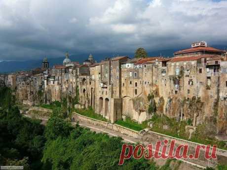 Город с необыкновенным видом Сант'Агата-де'-Готи
