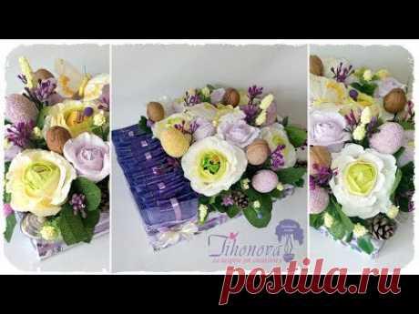 БУКЕТ из КОНФЕТ и ЧАЯ: коробка из картона, розы из гофрированной бумаги — мастер-класс