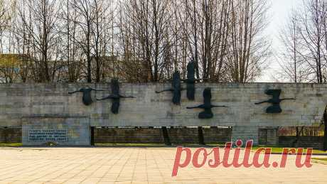 Мемориал «Журавли». Невское воинское кладбище | 4traveler | Яндекс Дзен