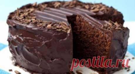 Супервлажный шоколадный пирог без яиц Минимум продуктов, минимум времени и у вас на столе прекрасный супер-влажный шоколадный пирог без яиц