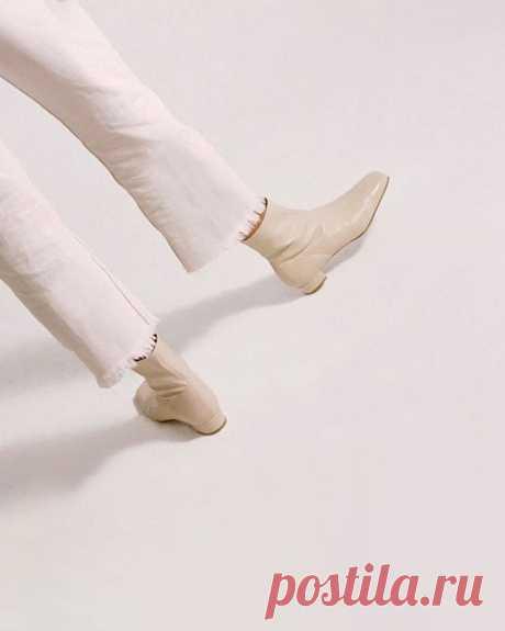 Если остроносая обувь вам наскучила, обратите  внимание на туфли и ботильоны с квадратным носом.