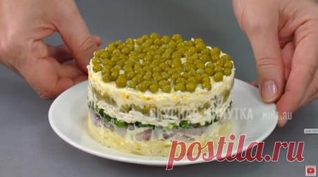 """Простые салаты с селедкой от """"Вкусной минутки"""":"""