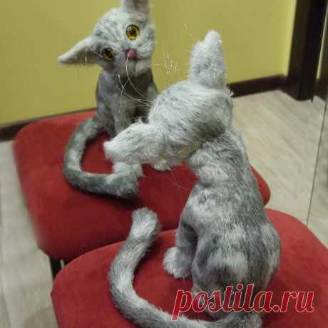 Дружелюбный котя. Стихотворение про кота, который пытается общаться со своим отражением. Амигуруми кот связан крючком #Дружелюбныйкотя #Стихотворениепрокота #крючок #кот #игрушка #вязание #вязанаяигрушка #вязанаяжизнь #вязаныйкот #амигуруми #амигурумикот