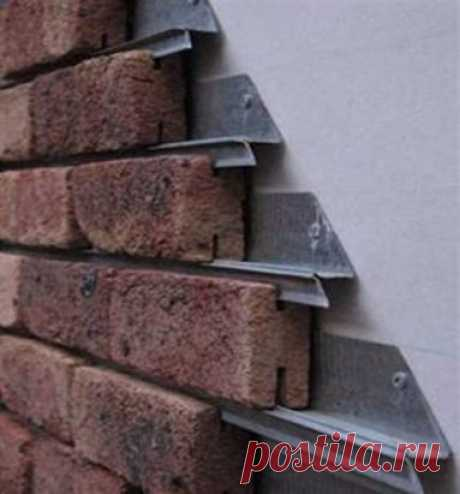 Система кирпичной облицовки Добавит мгновенное приукрашение вашему дому. Предназначена для использования на любом доме с деревянным каркасом стены. Облицовочный кирпич устанавливается на оцинкованный стальной рельс.