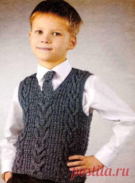 Серый жилет для мальчика