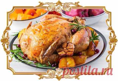 Фаршированная #курица с клюквой и фисташками  #Птица с золотистой корочкой и яркой ягодно-ореховой начинкой станет украшением праздничного стола.  Время приготовления: Показать полностью...