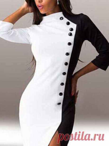 Стильное контрастное платье с пуговицами с разрезом