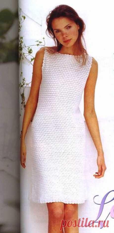 Платье простым узором, вяжем крючком